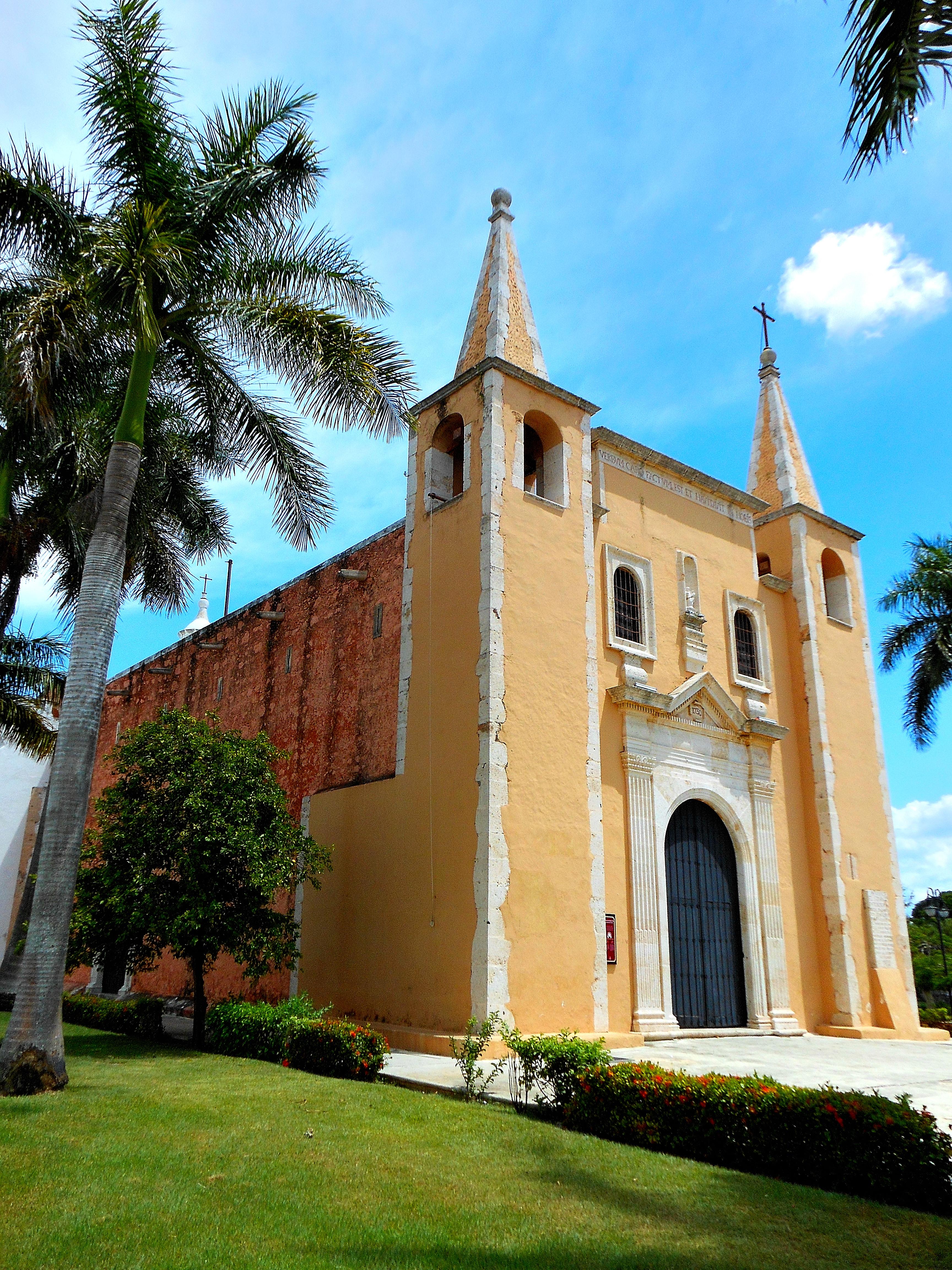 File iglesia de santa ana merida 2 jpg - Santa ana valladolid ...