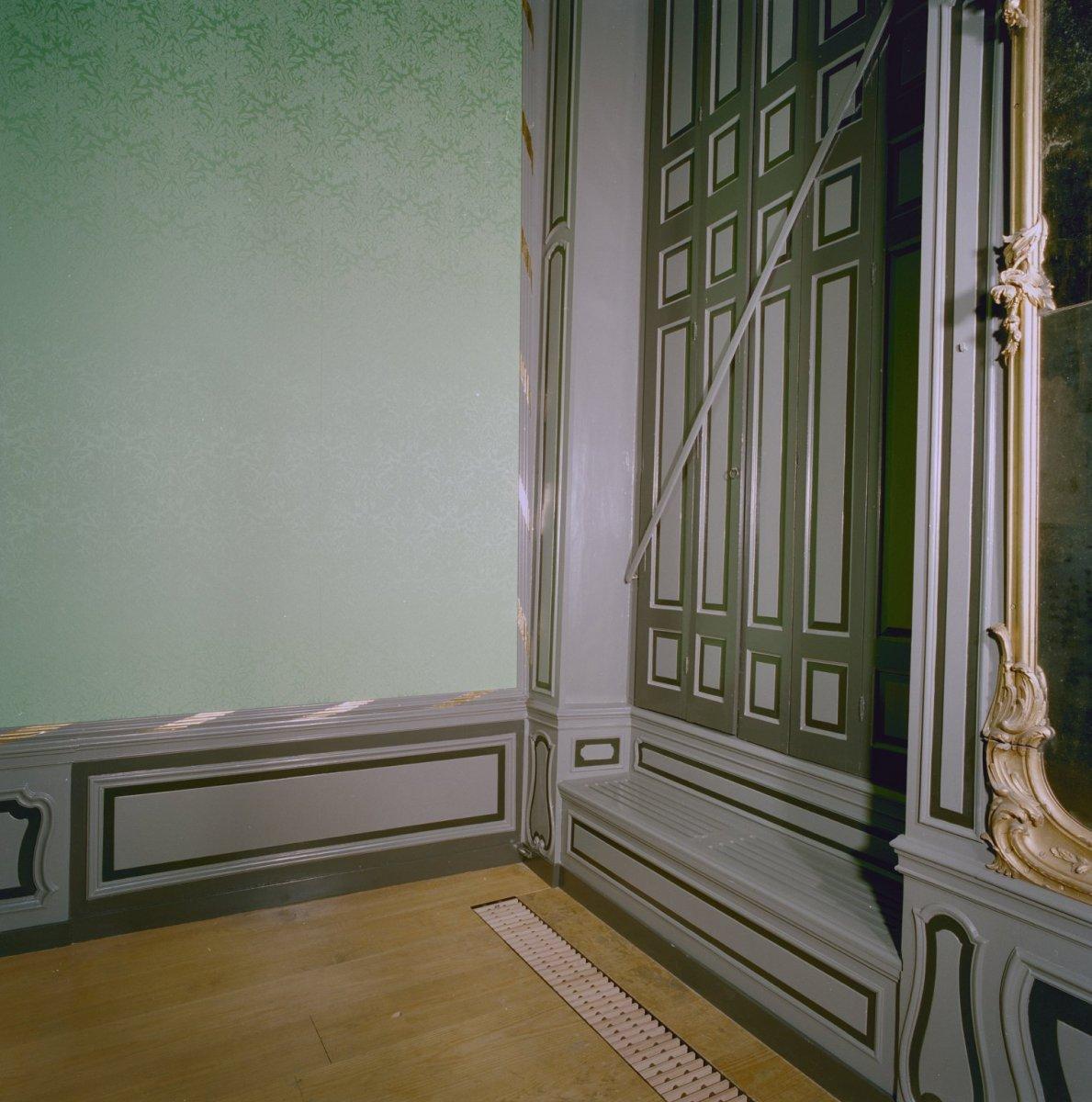 File interieur voorkamer rechts houten vensterbank en for Houten decoratie voor raam