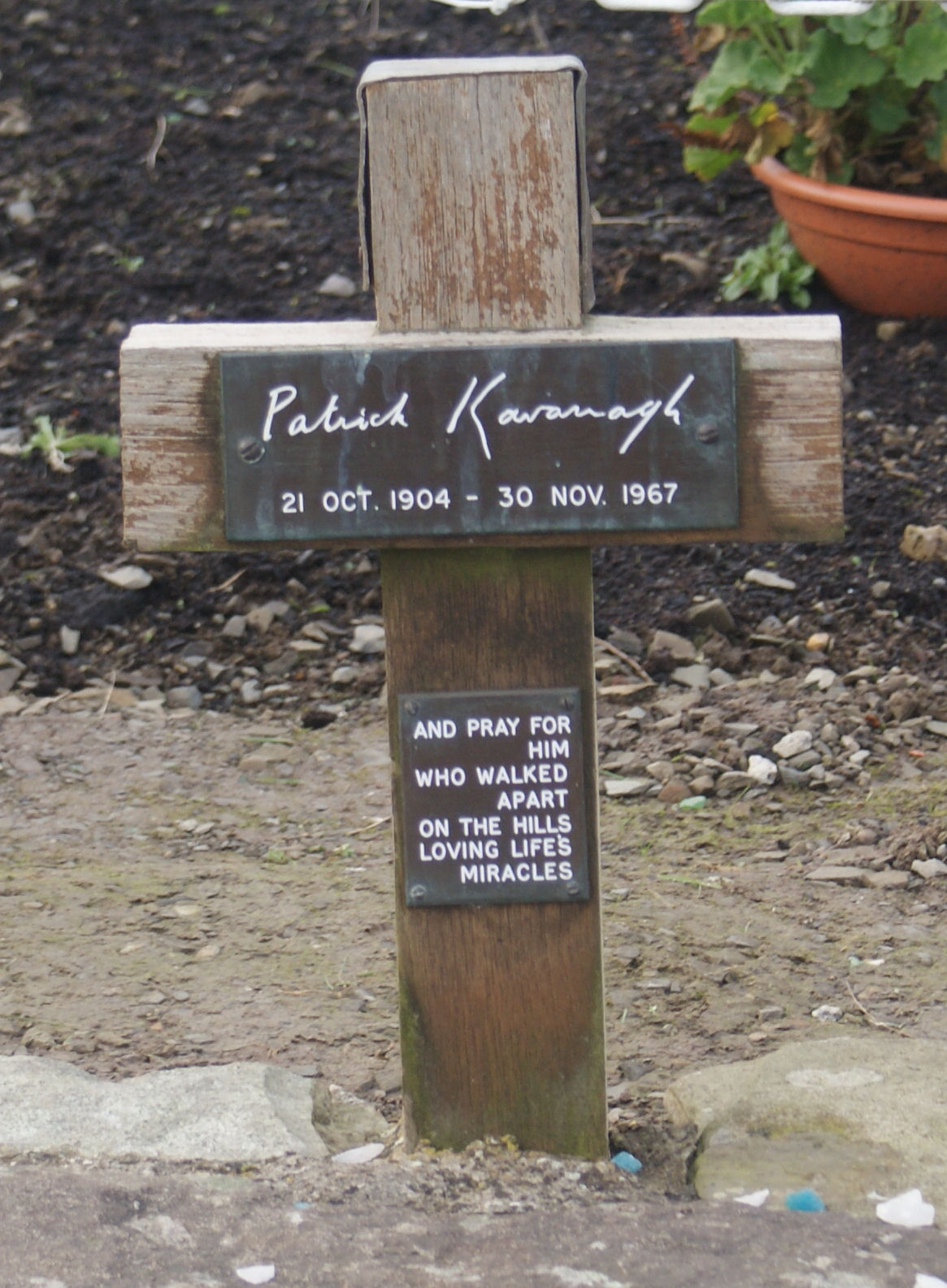 essay on patrick kavanagh At june 30 and september 30, the value of the portfolio was note, however, that the notional amount of ridgeway's hedging instrument was only.