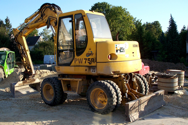 File:Komatsu excavator jpg - Wikimedia Commons