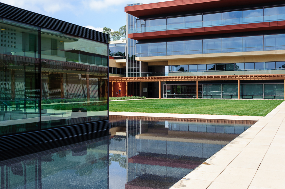 Kravis Center, Claremont McKenna College, 2015.jpg