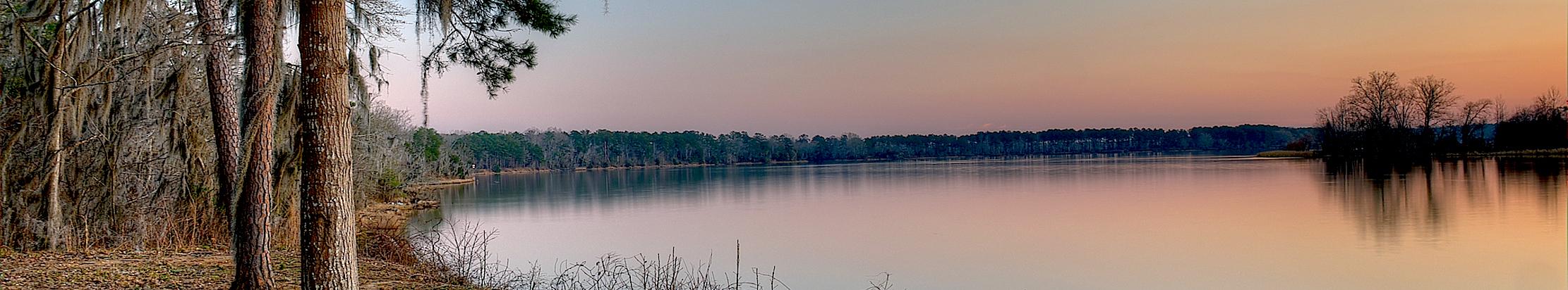 14 февраля (27 февраля) 2016. Озеро в штате Джорджия, США.