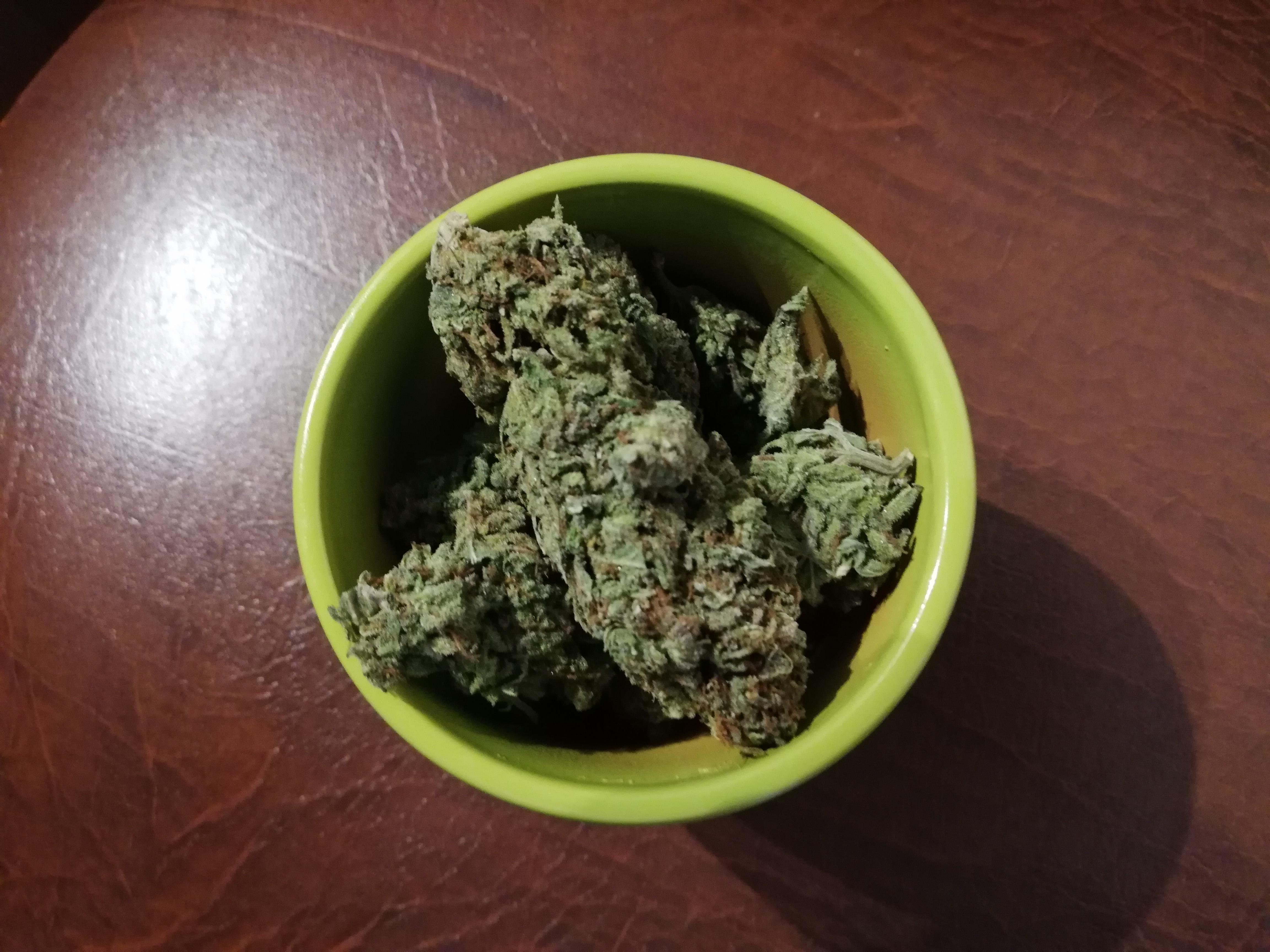 ceaiul de marijuana te face să pierzi în greutate)
