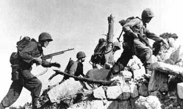 Marine-assault-okinawa-1945.jpg