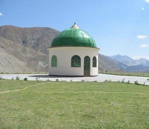 mufti - Page 5 Massoud_Tomb