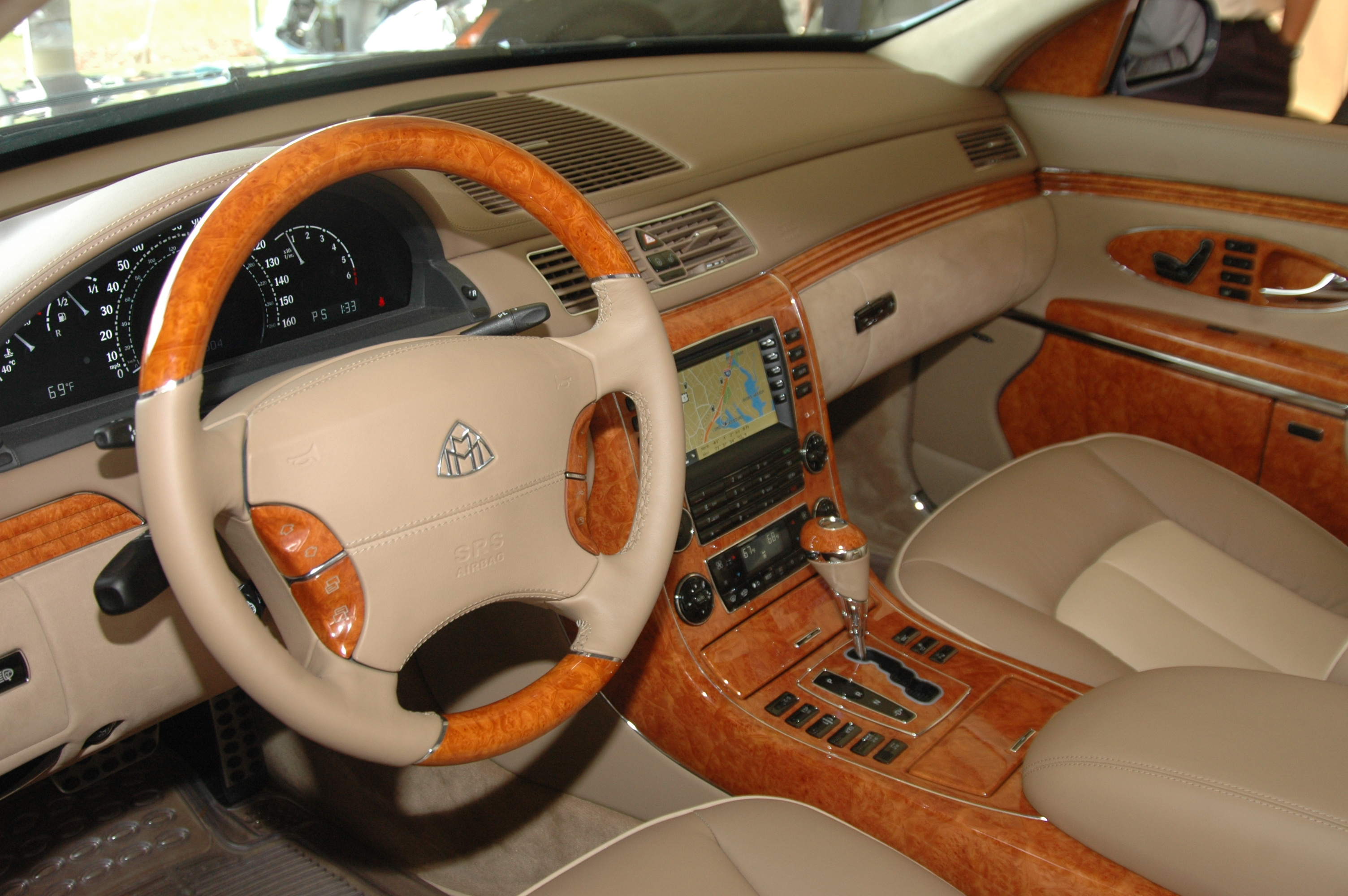 File Maybach Interior Jpg Wikimedia Commons