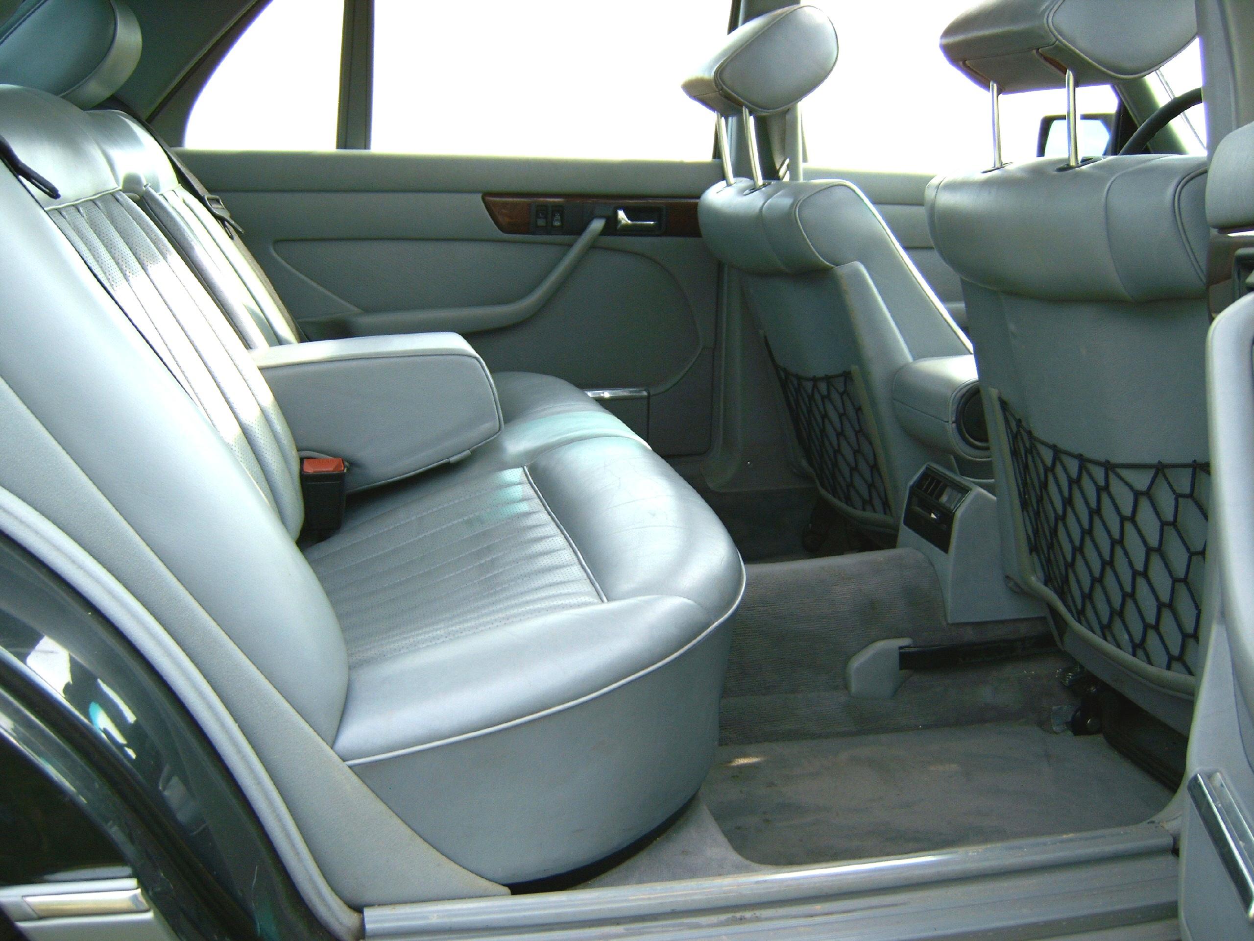 Mercedes W126 (the Queen) Mercedes_W126_500SEL_fond_1