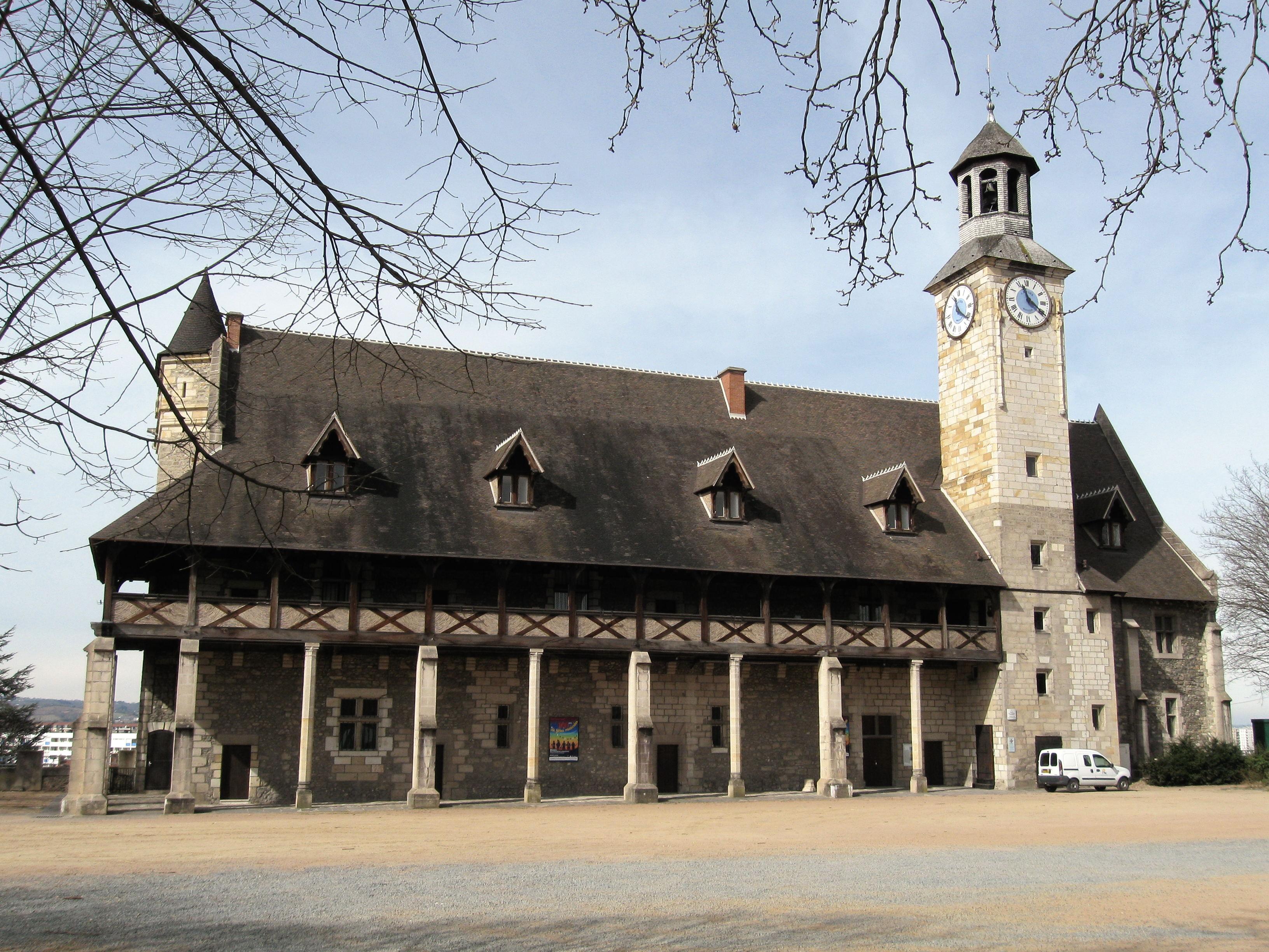 Montlucon France  city images : Fichier:Montluçon château 2 — Wikipédia