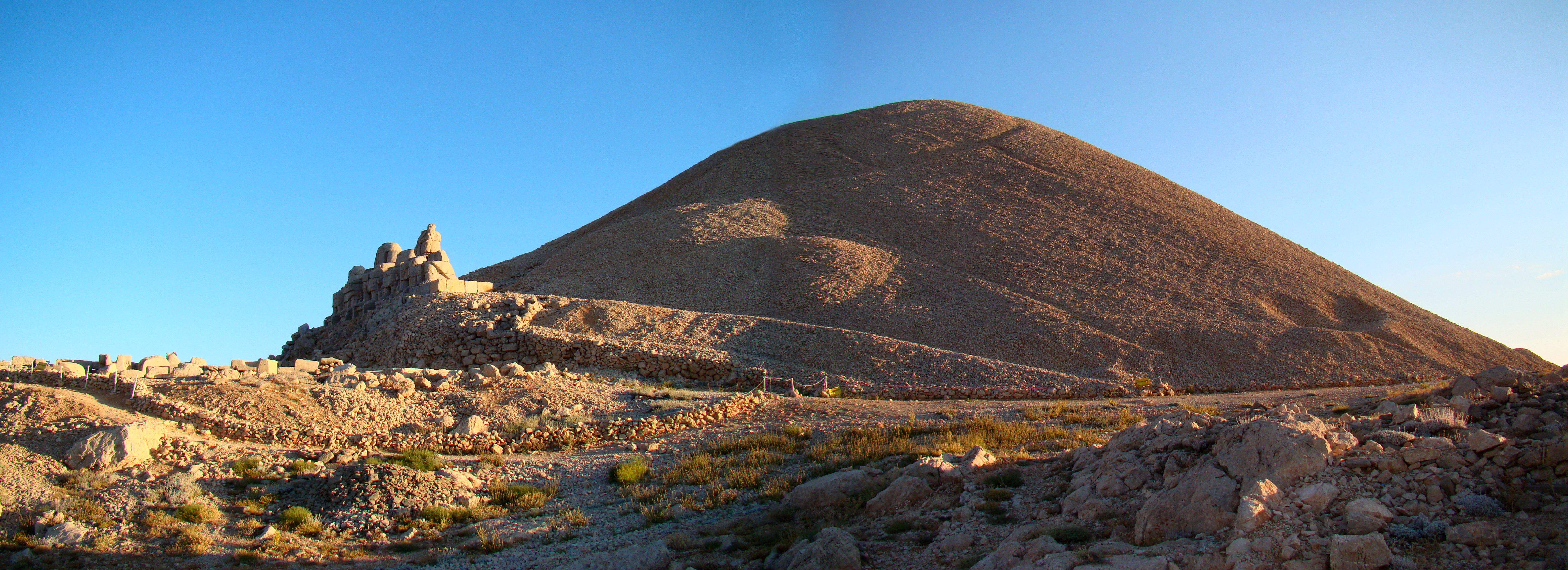 Mount Nemrut - Wikipedia