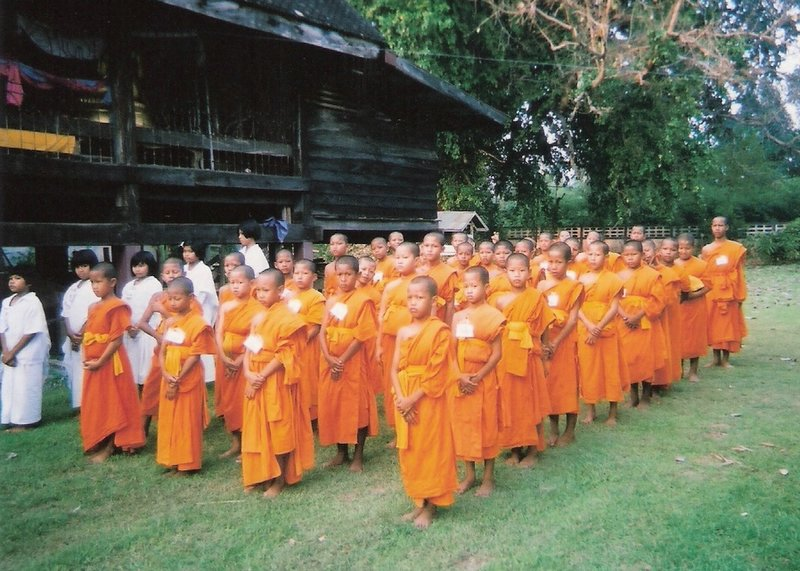 File:Novice in the Buddhist religion is standing.jpg - Wikipedia ...