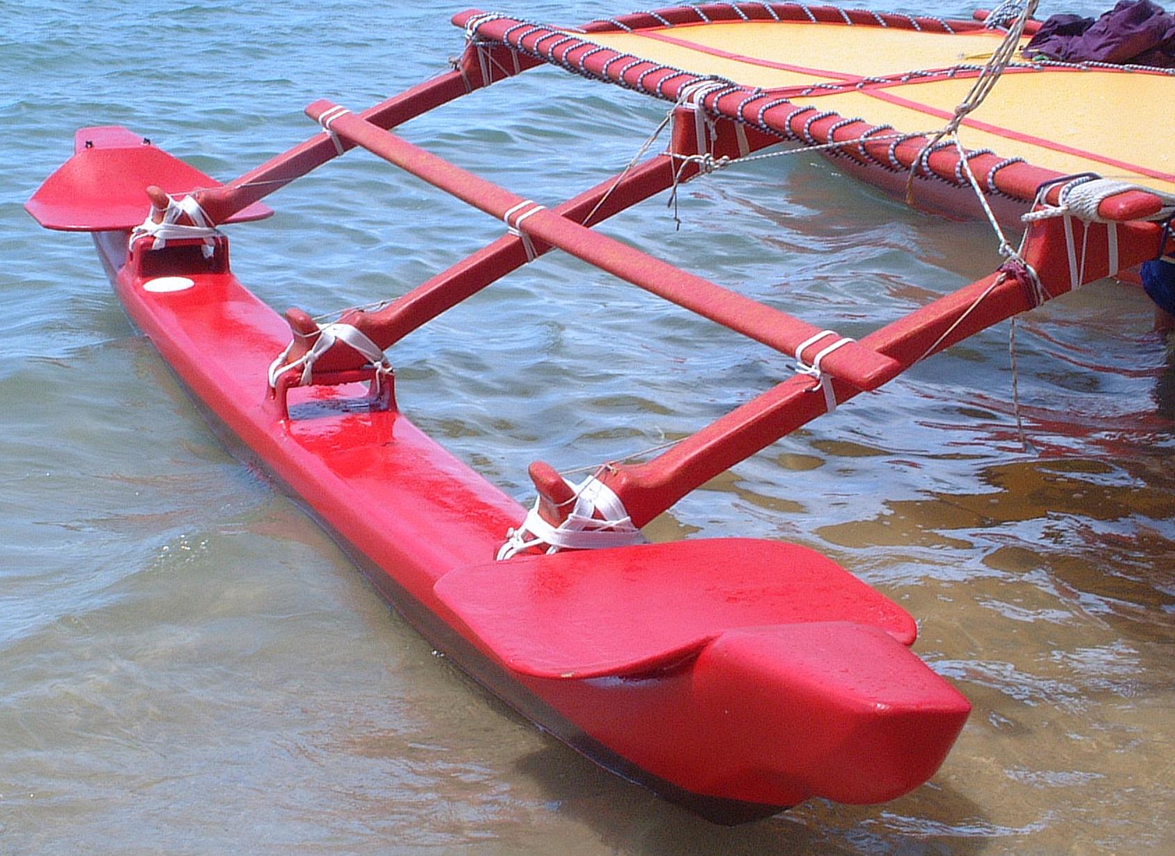 File:Outrigger on Hawaiian sailing canoe.png - Wikimedia ...