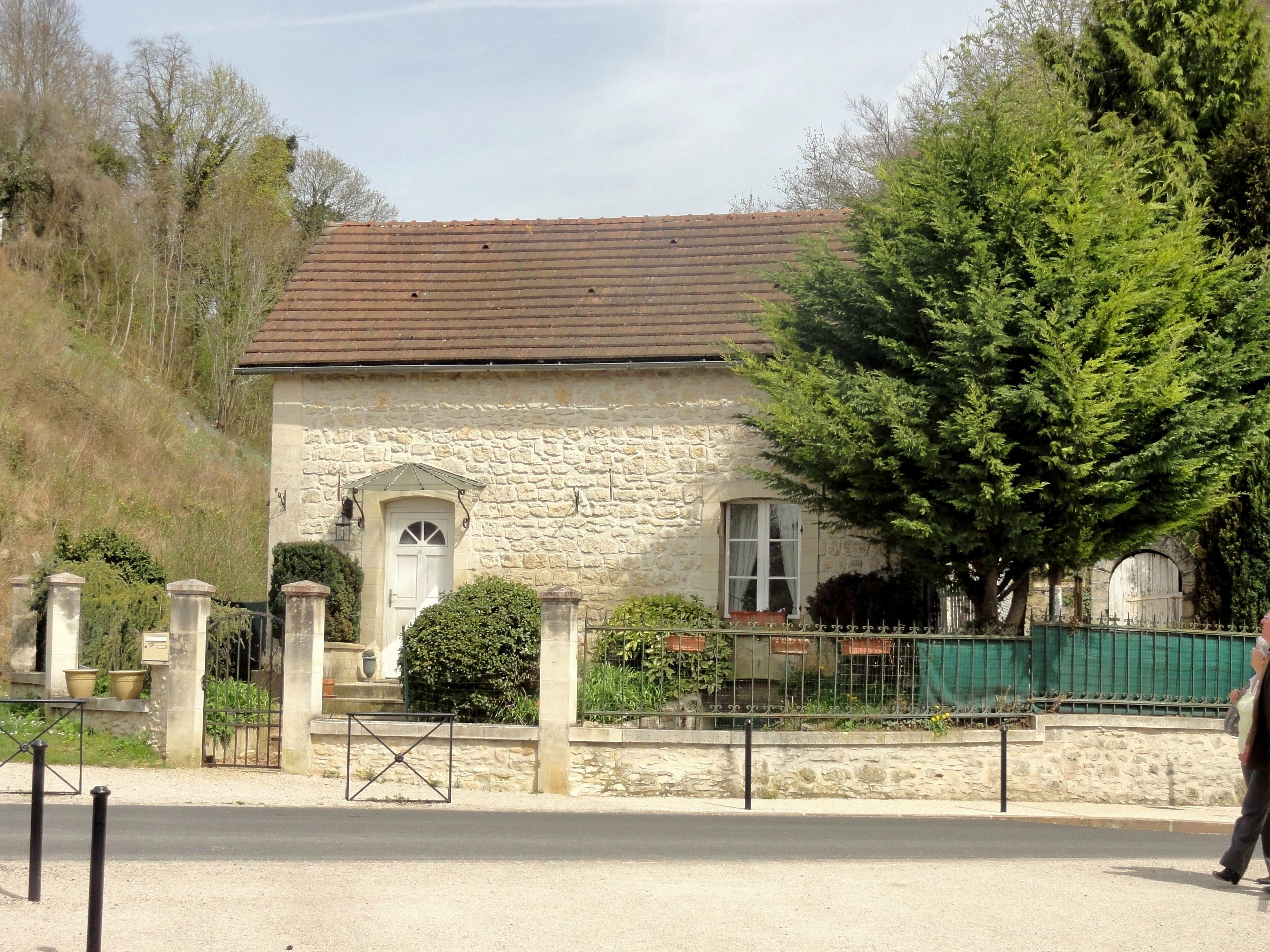 File pierrefonds 60 ancienne maison de garde barri re for Ancienne maison des gardes lourmarin france