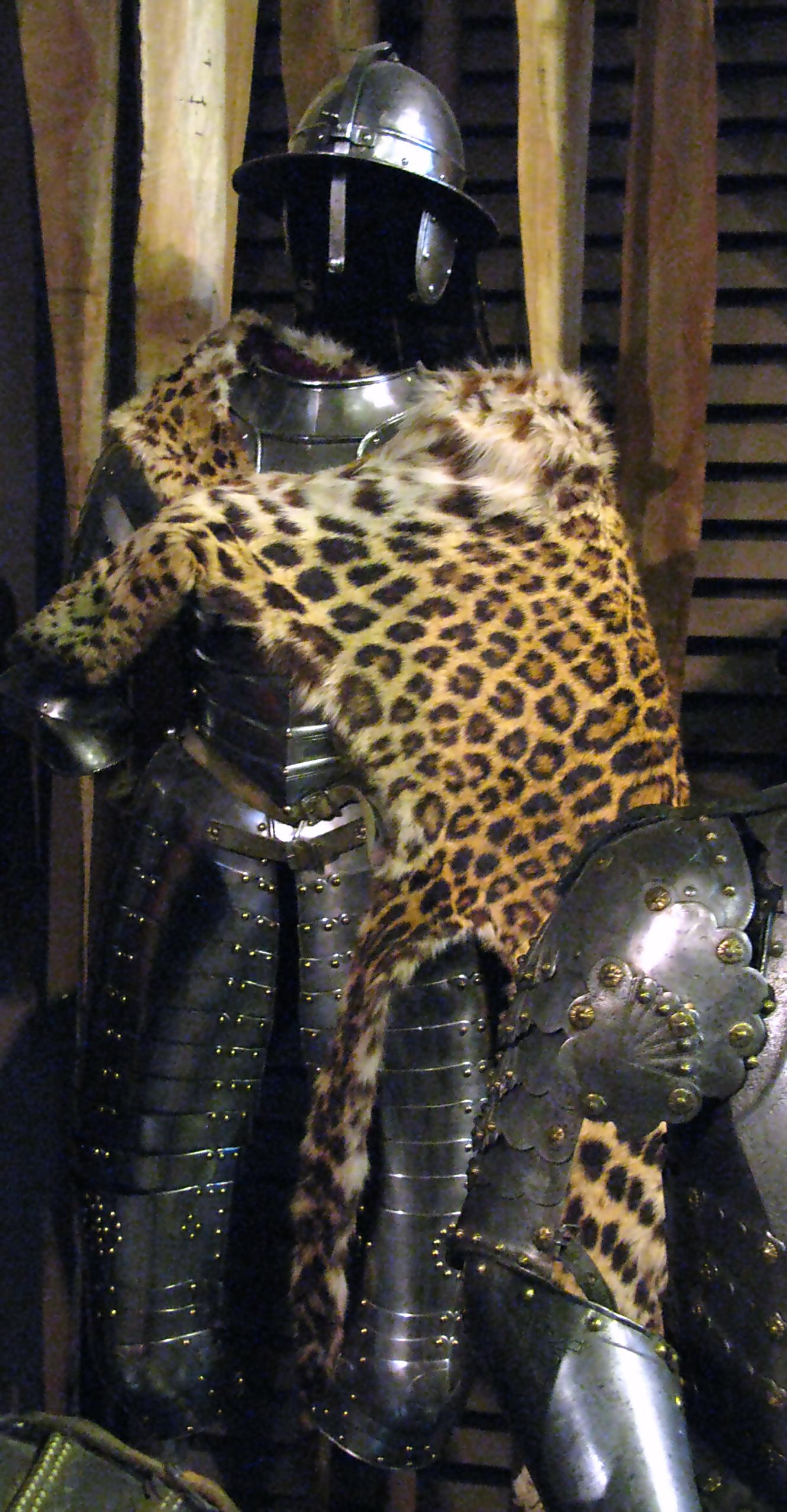 Polish_cavalry_armour_XVI-XVII_century.p