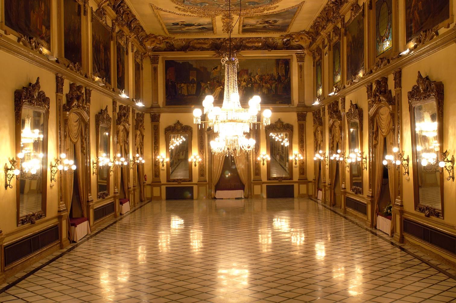 File:Salón Liceo - Real Círculo de la Amistad - Córdoba (España).jpg - Wikimedia Commons