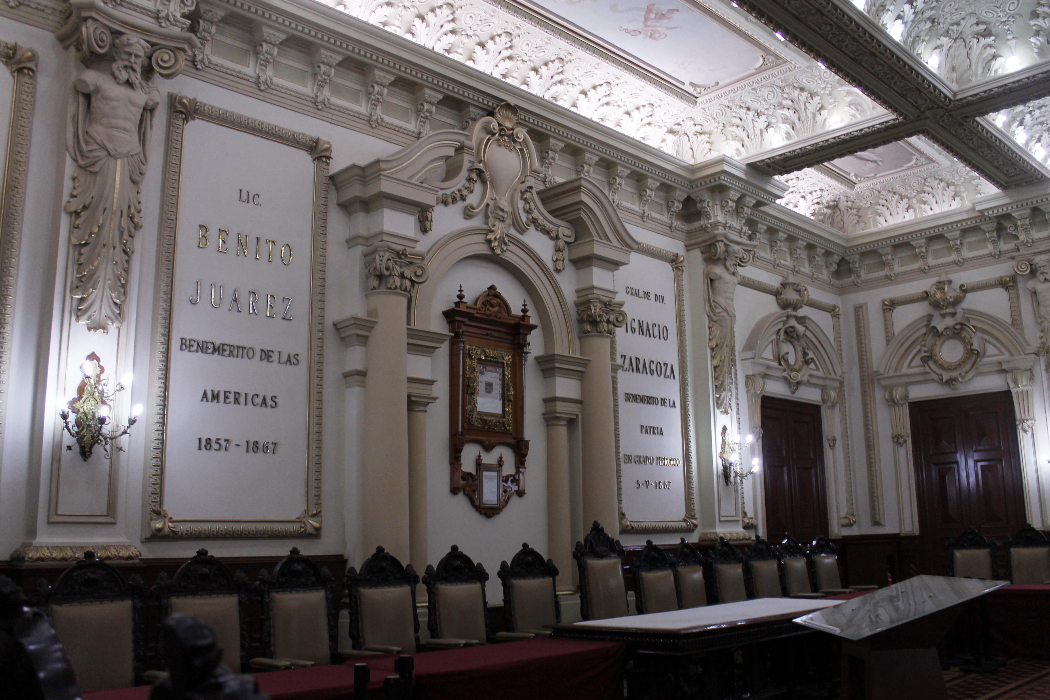 Interior del Salón de Cabildos en Puebla
