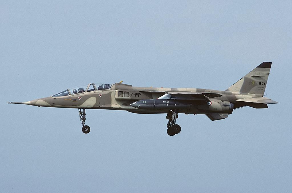 File Sepecat Jaguar E France Air Force An1308474 Jpg