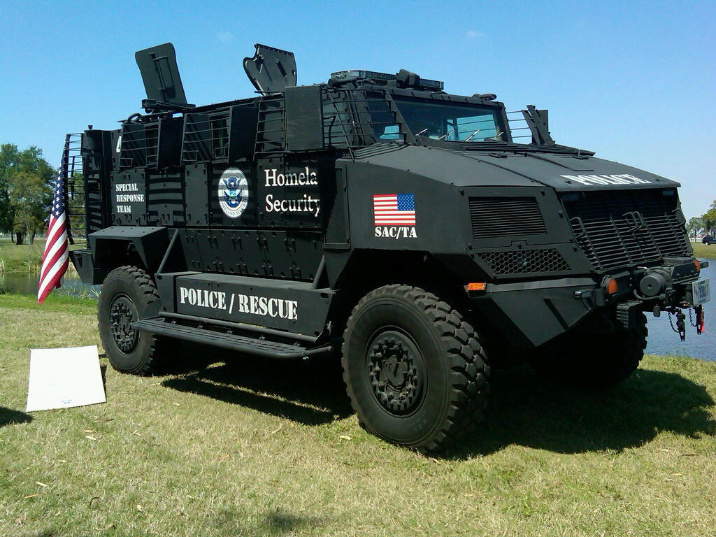 The United States of the Solar System, A.D. 2133 (Book Seven and the Seven Seals) - Page 8 Special_response_vehicle_from_Homeland_Security_during_OSI_Det._340%27s_law_enforcement_day