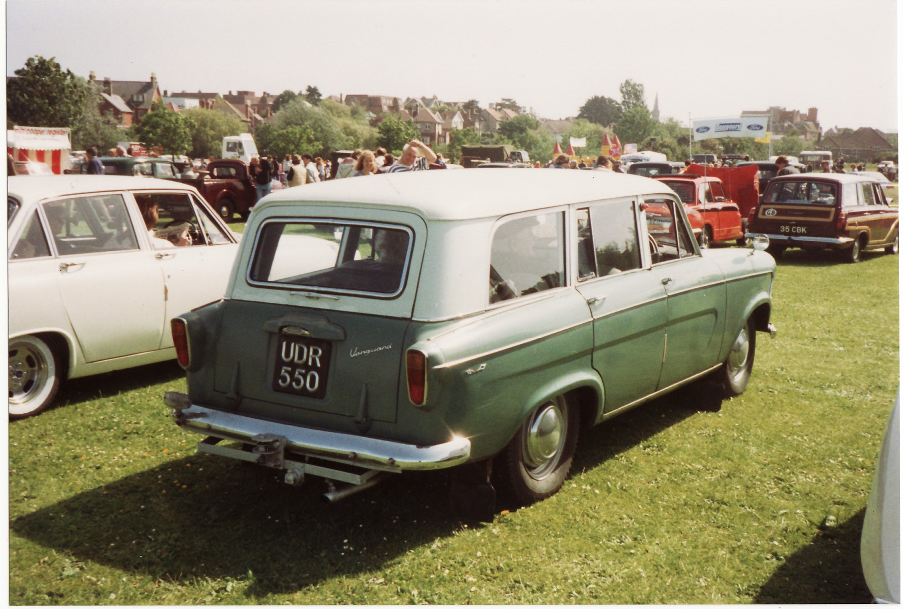 File:Standard Vanguard Estate Car (16325915339).jpg - Wikimedia Commons