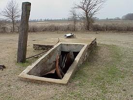 File:Storm cellar north of Sneed, Arkansas.jpg - Wikimedia Commons