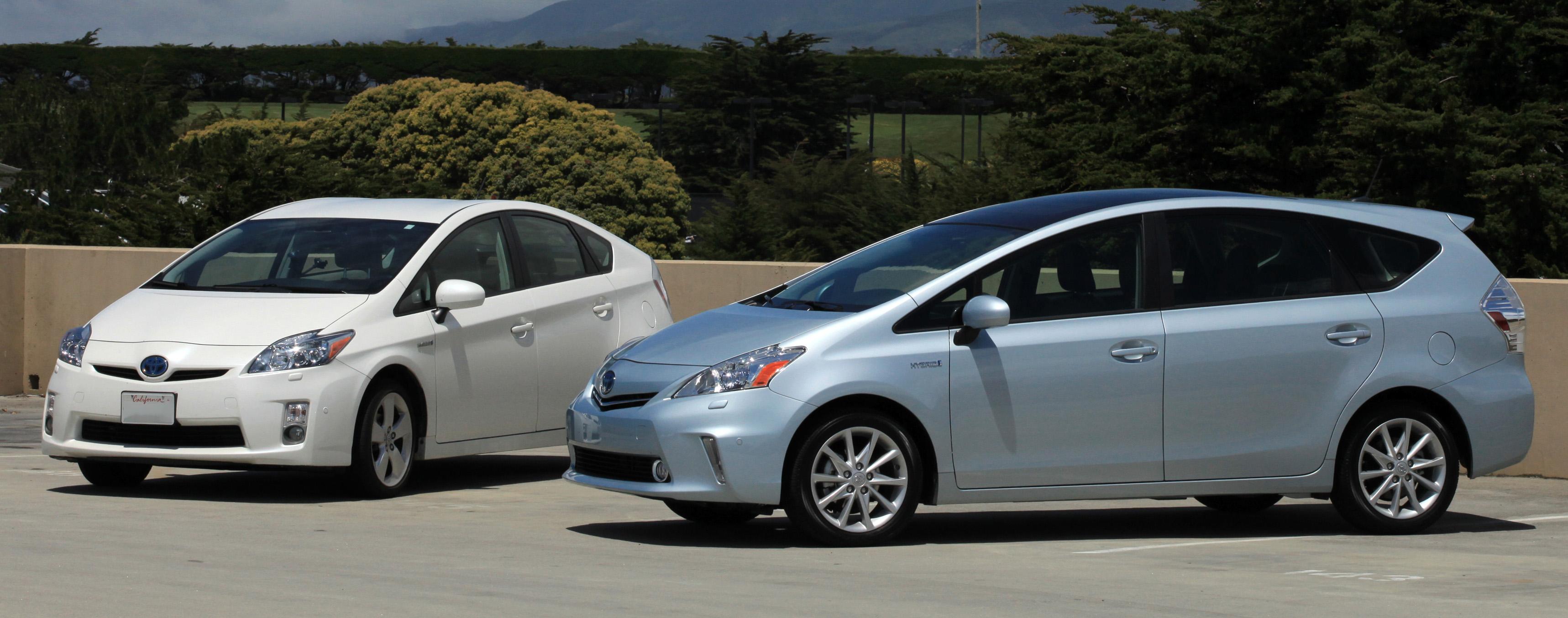 File Toyota Prius V Hybrid car family trimmed Wikimedia mons