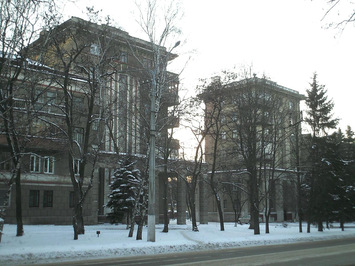 Первые семиэтажные дома (улица Дружбы, 10 и 6)