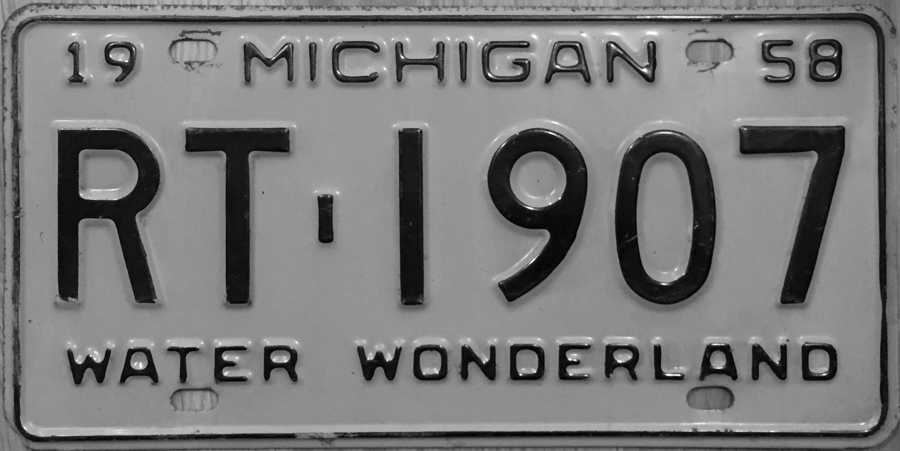 File:1958 Michigan License Plate.JPG - Wikimedia Commons