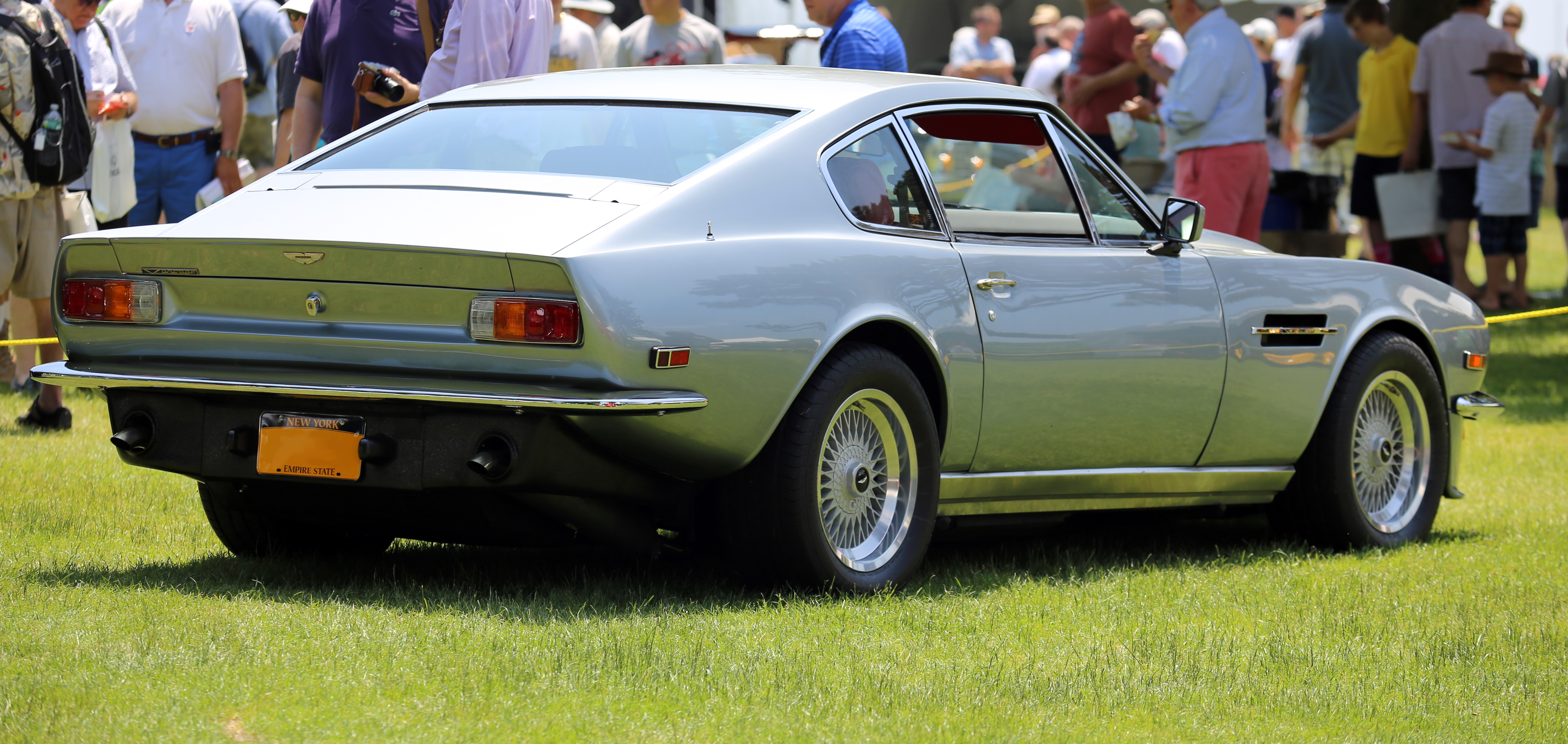 File 1979 Aston Martin V8 Vantage Rear Jpg Wikimedia Commons