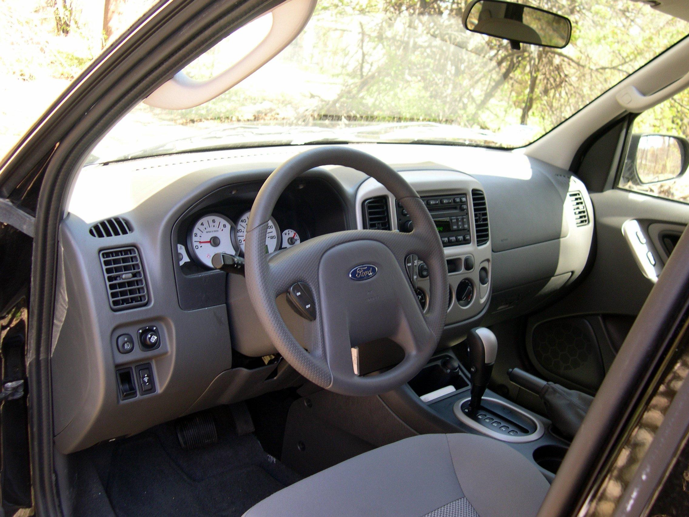 File 2006 ford escape interior jpg wikimedia commons