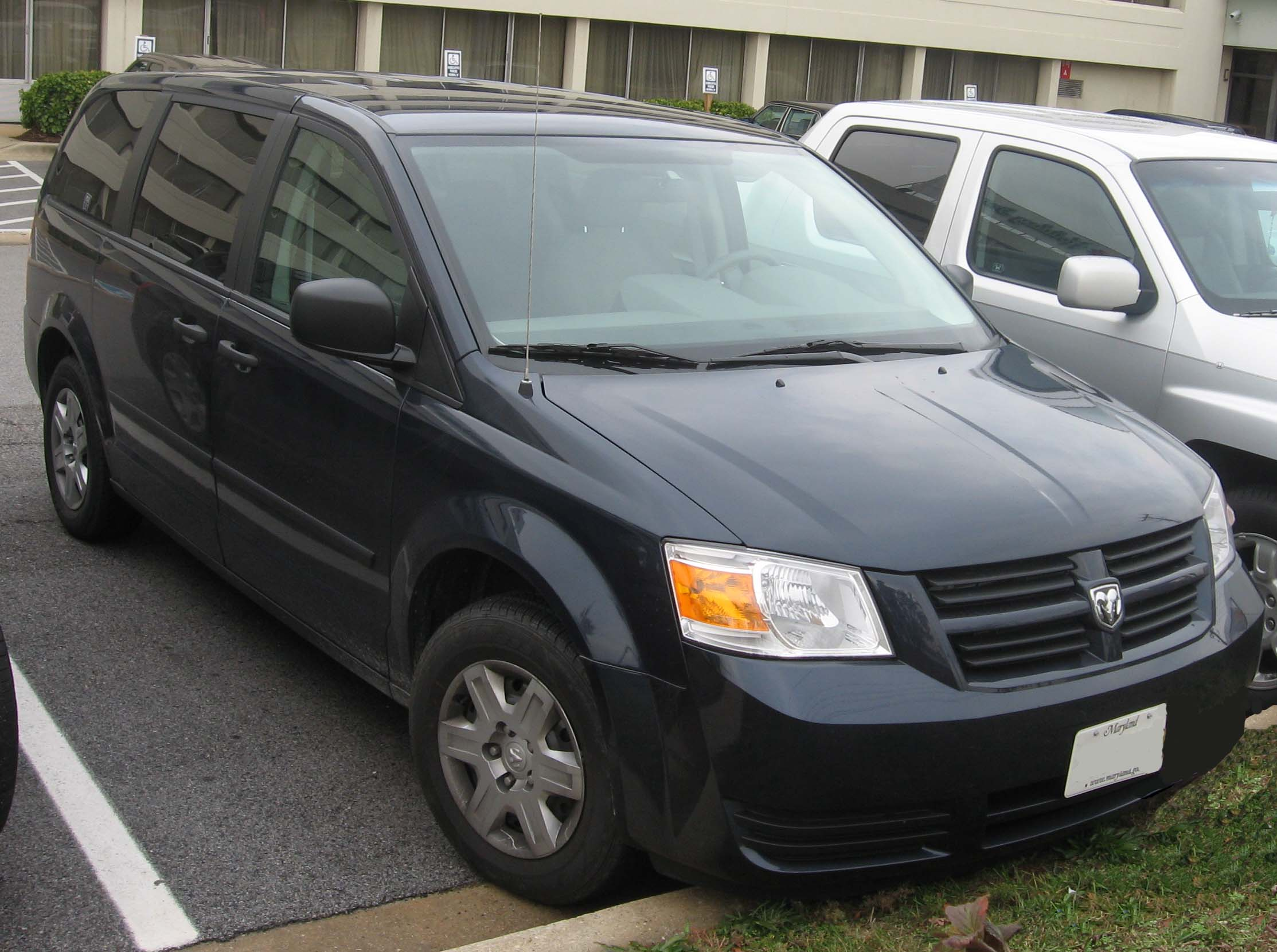 Dodge Caravan For Sale >> File:2008 Dodge Grand Caravan SE.jpg - Wikimedia Commons
