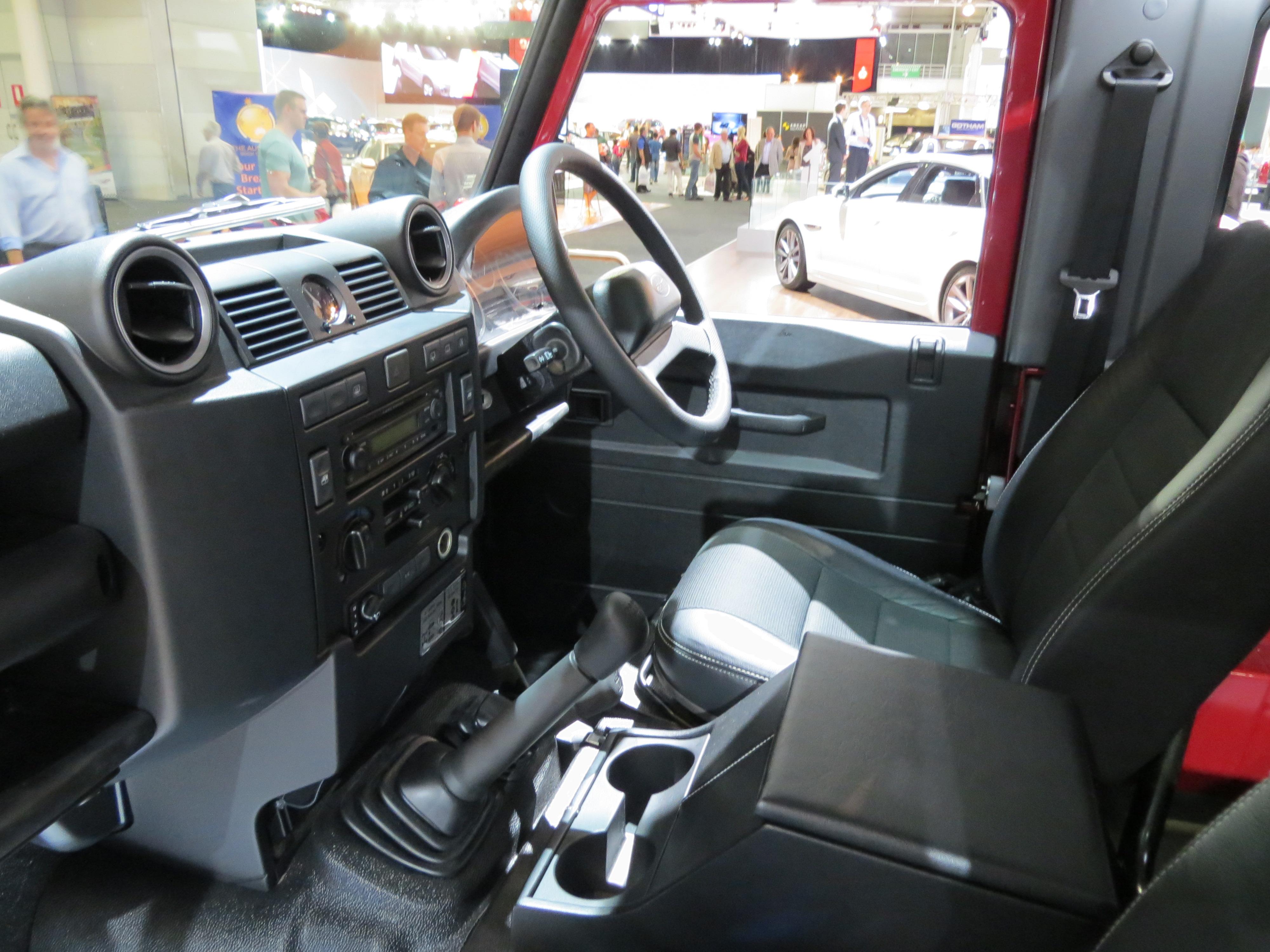 File2012 Land Rover Defender 90 (L316 MY12) 3-door wagon ( & File:2012 Land Rover Defender 90 (L316 MY12) 3-door wagon (2012-10 ...