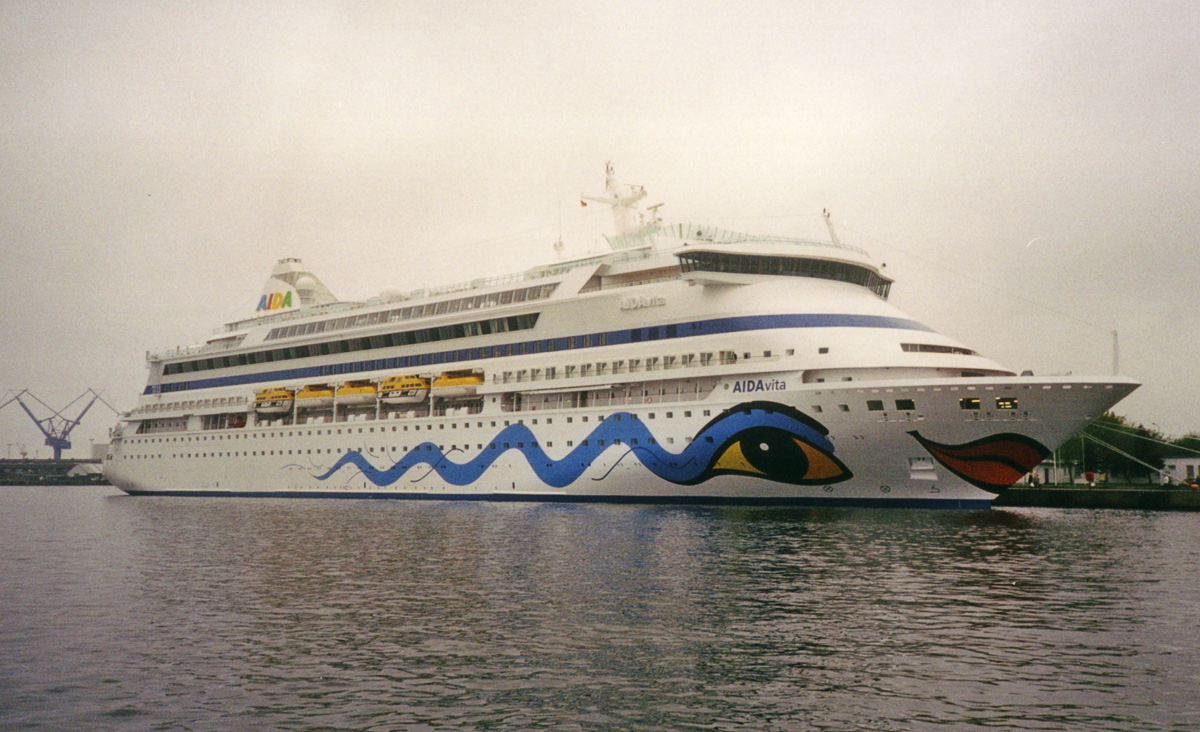 Cruises From The Usa To Eastern Island