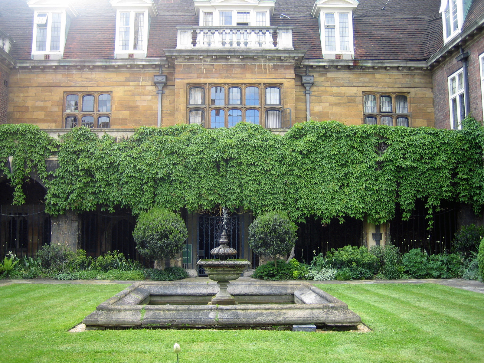 FileAbbey garden and fountainjpg Wikimedia Commons