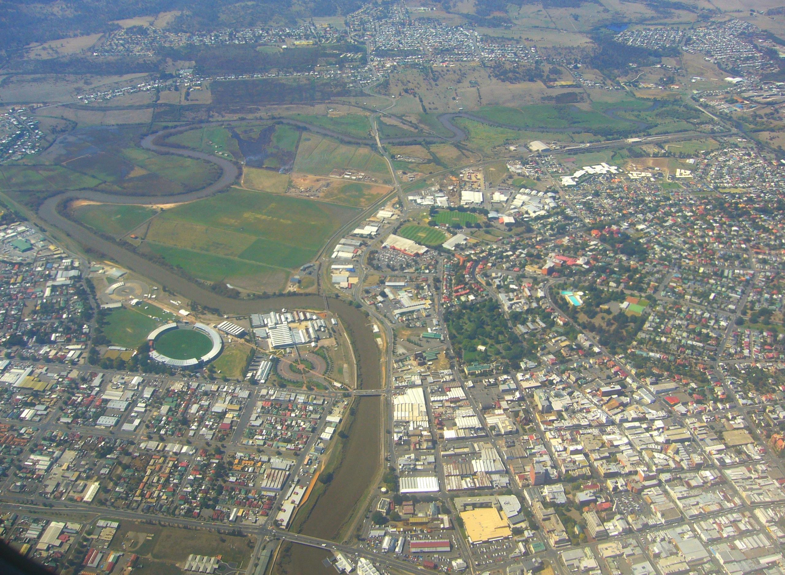 Launceston Australia  city images : Aerial view of Launceston Wikimedia Commons