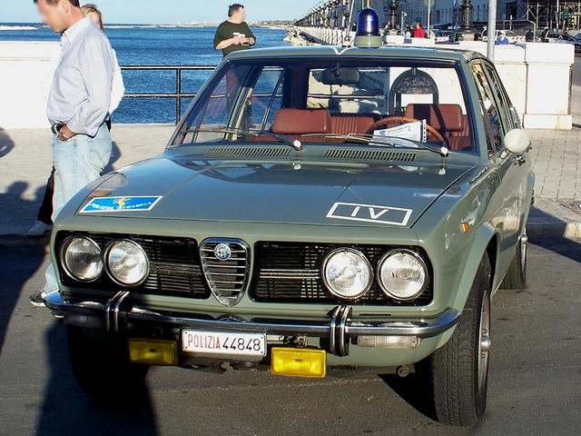 Alfa Romeo Alfetta Della Polizia Stradale on Alfa Romeo Alfetta