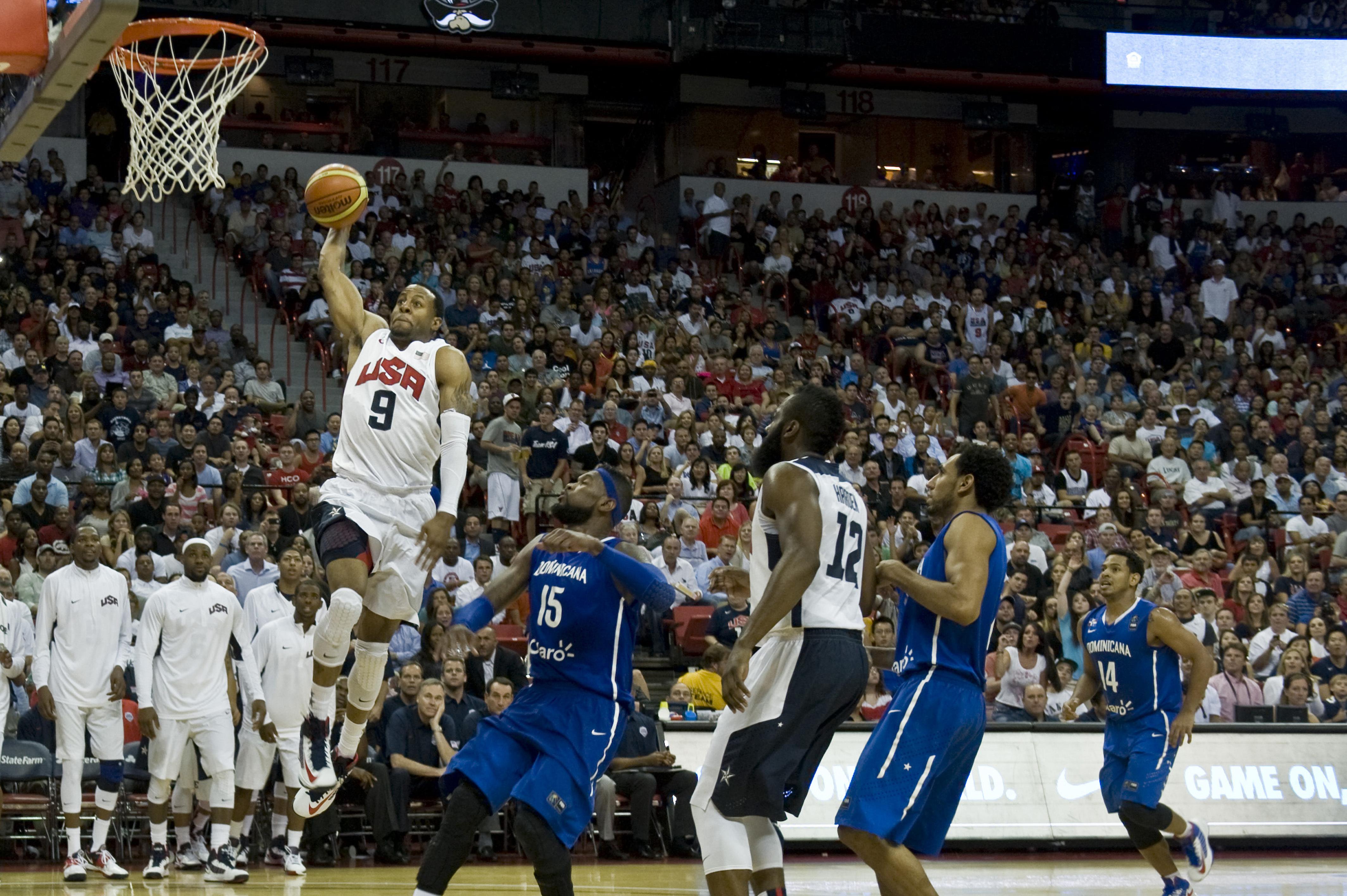 File:Andre Iguodala dunk USA vs Dominican Republic.jpg ...