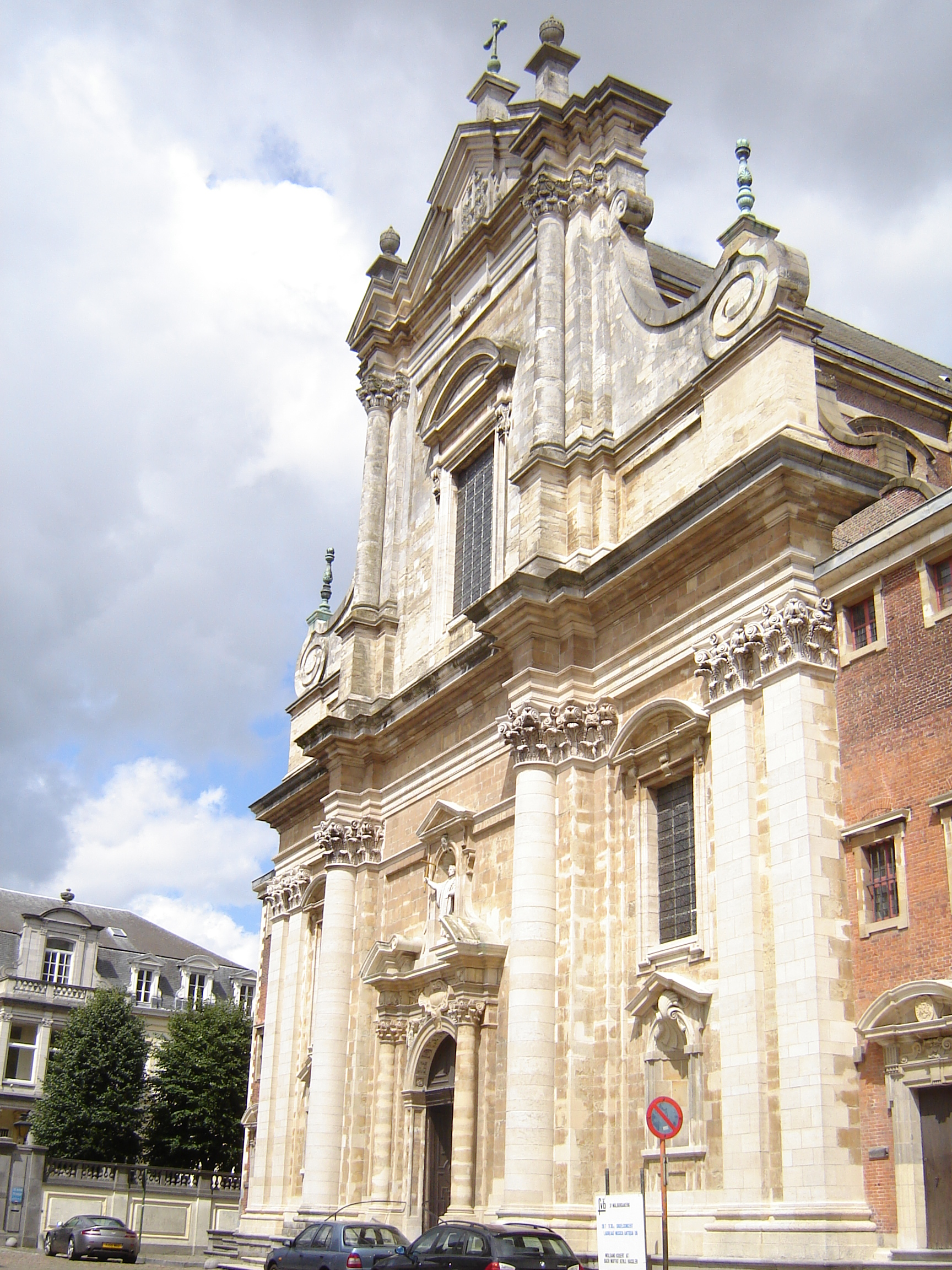 Brugge_-_Sint-Walburgakerk_1.jpg
