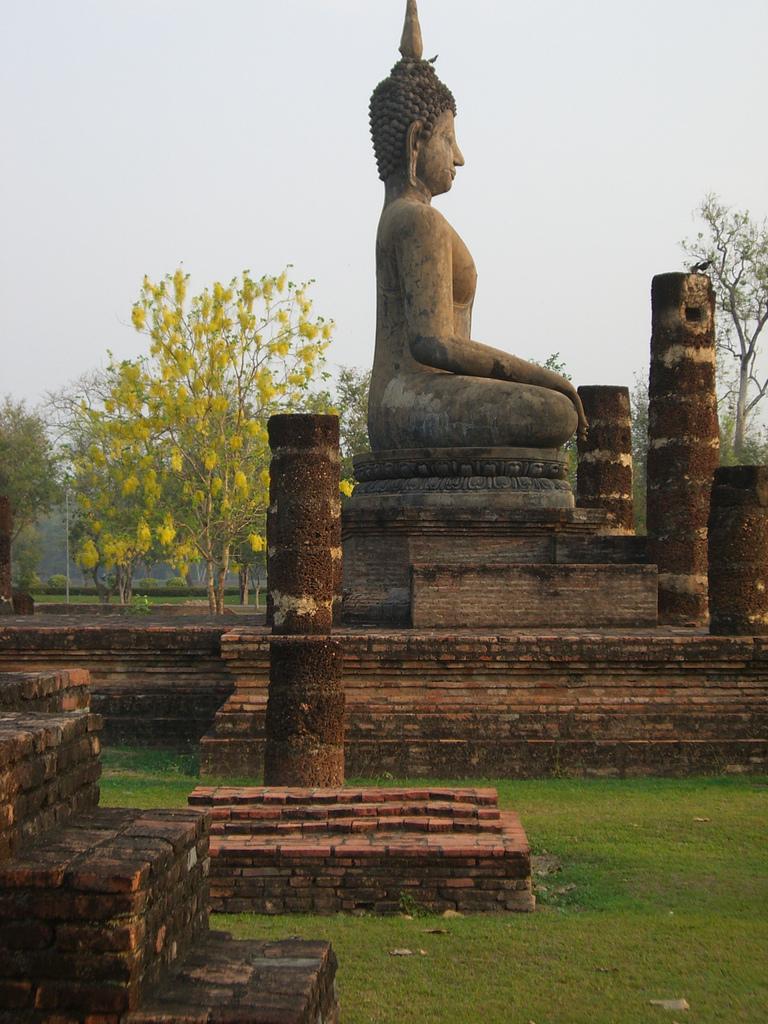 Sukhothai National Park By Daniel Wabyick from San Francisco CC BY-SA 2.0