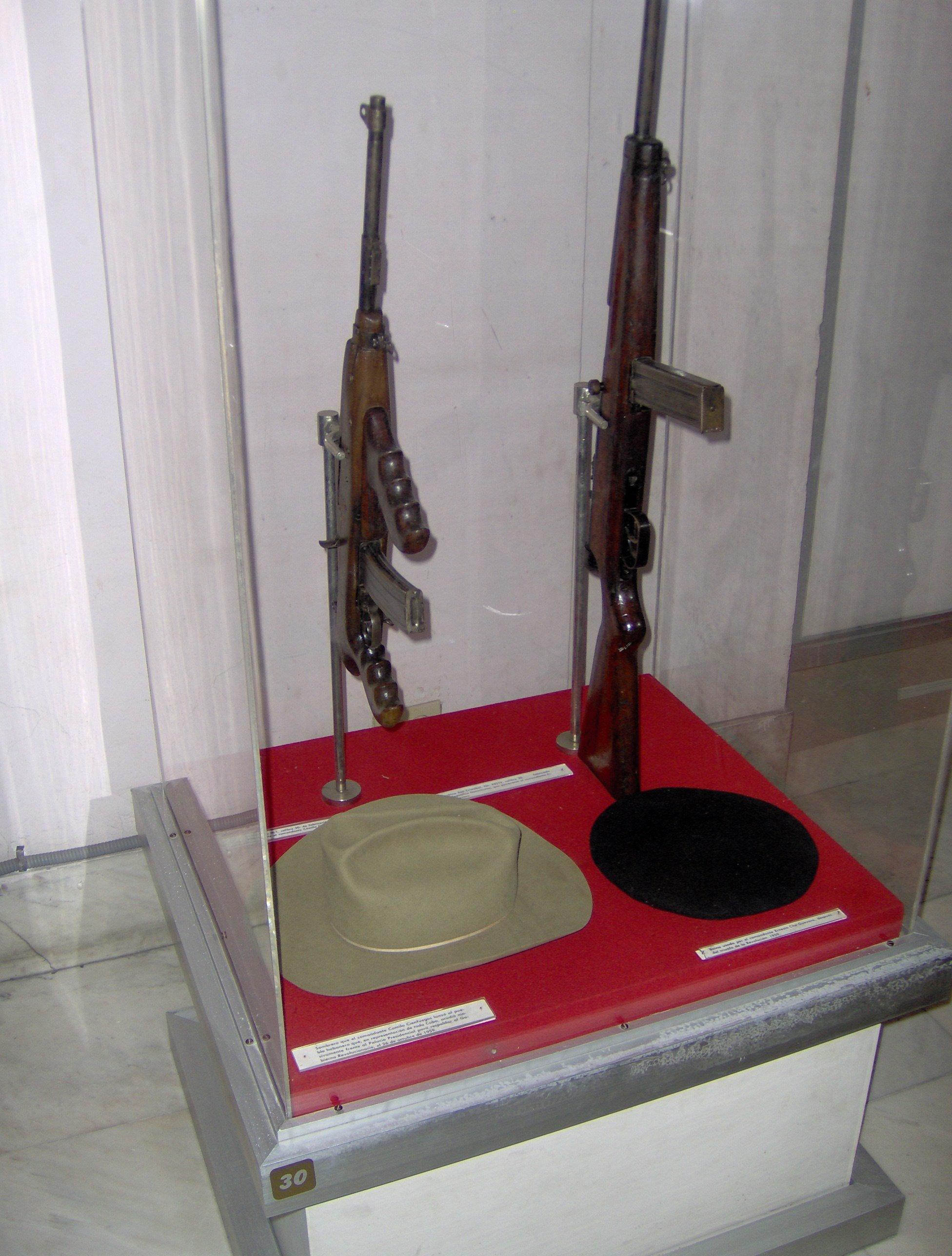 Fusiles de Camilo Cienfuegos y el Che Guevara (Museo de la Revolución, La Habana).