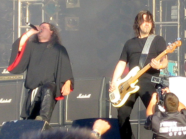 https://upload.wikimedia.org/wikipedia/commons/9/90/Candlemass_-_wacken.jpg