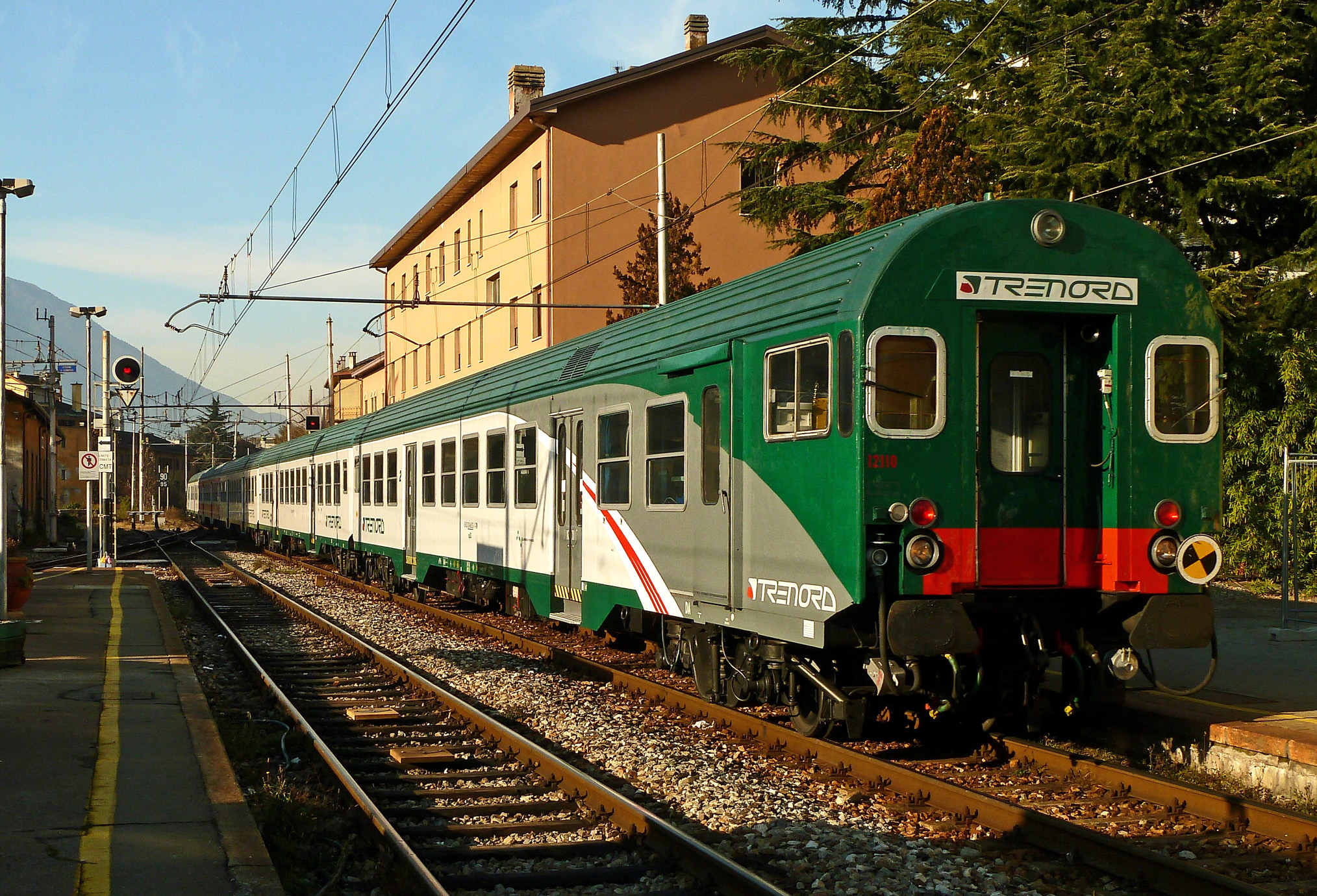 File carrozza semipilota mdvc wikipedia for Carrozza del treno