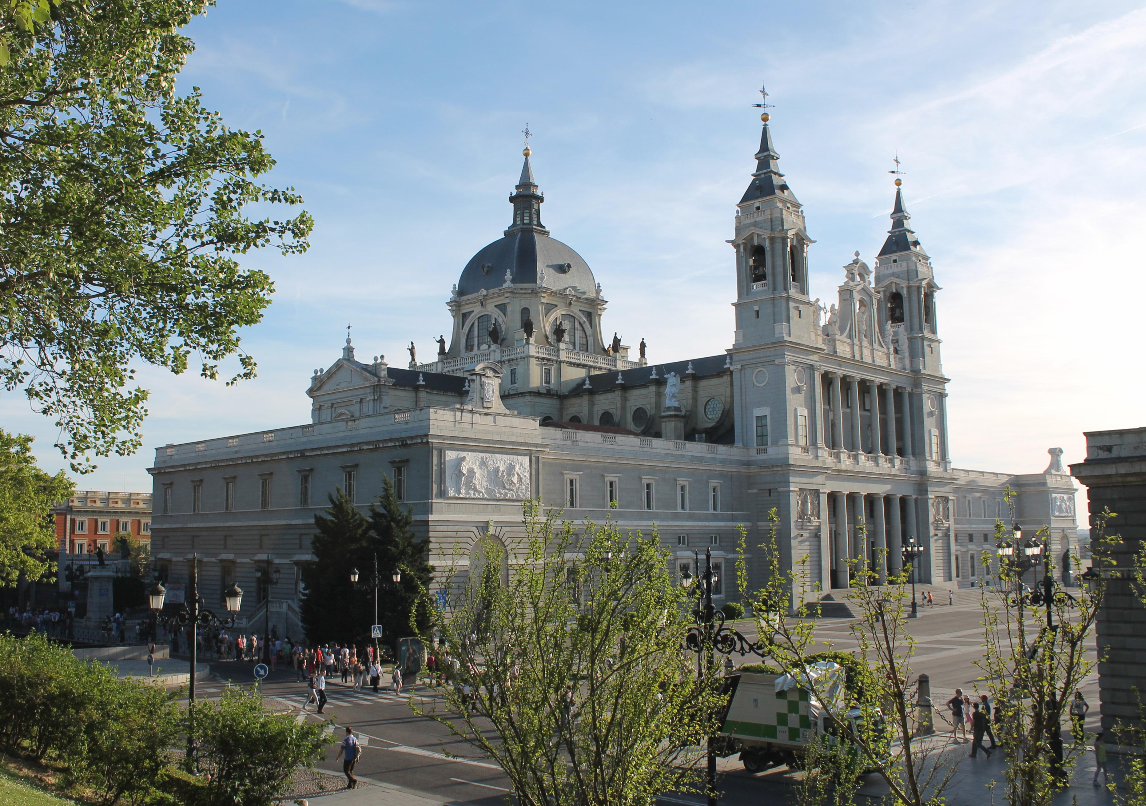 Catedral De La Almudena Wikipedia La Enciclopedia Libre
