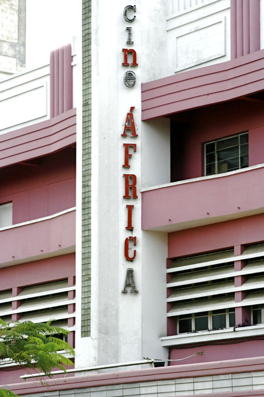 Cine Africa, Maputo (2918322670).jpg
