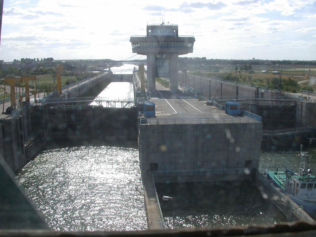Fişier:Danube-Black Sea Canal.jpg