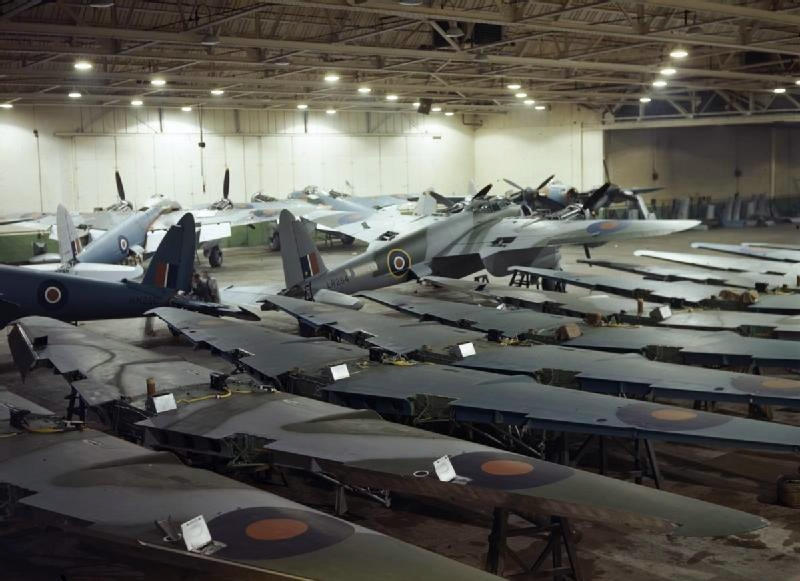 De Havilland Mosquito production at Hatfield 1943