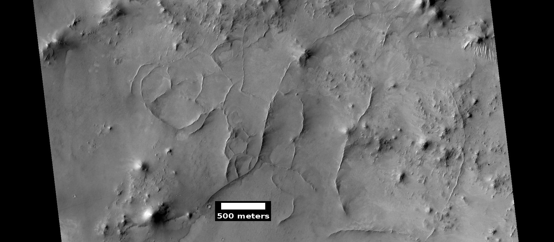 Ridges, as seen by HiRISE under HiWish program