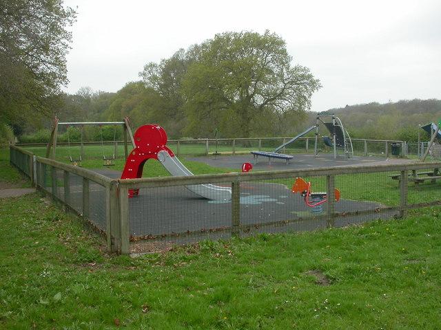 File:Eastworth Play Area - geograph.org.uk - 1258176.jpg