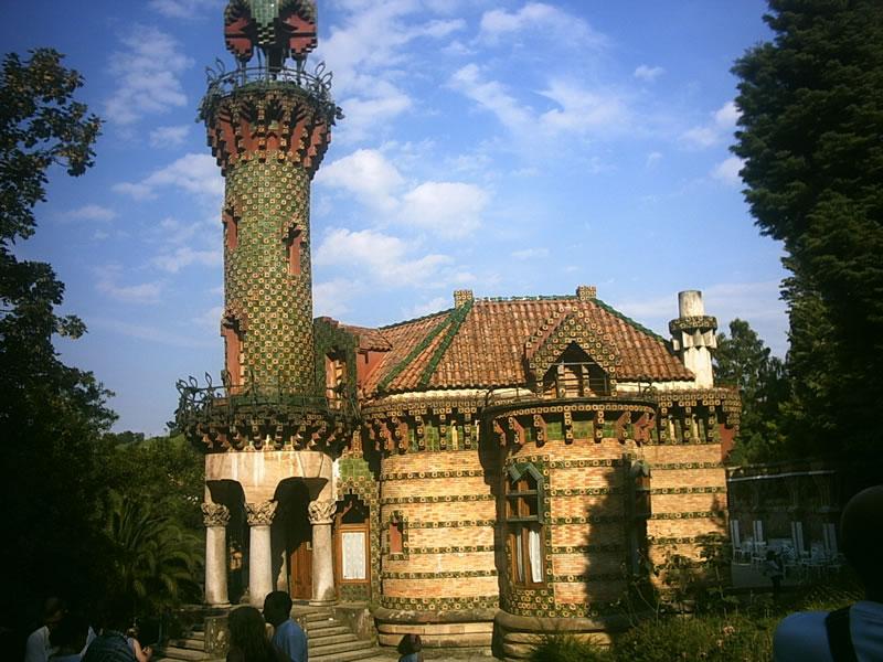 Gaudijeva arhitektura - Page 3 El_Capricho_JPG