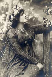 Ellen Terry as Guinevere in the play King Arth...
