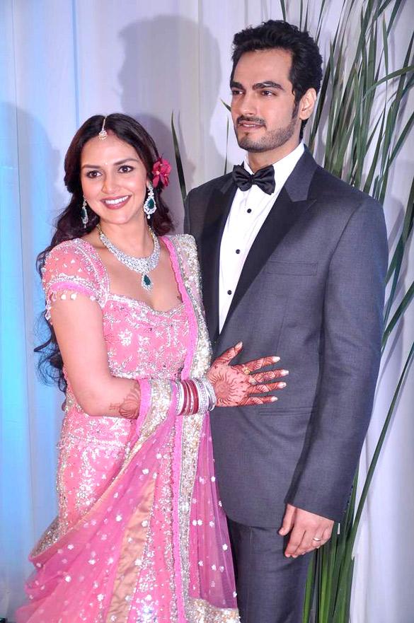 Fileesha Deol Bharat Takhtani At Their Wedding Reception 02g