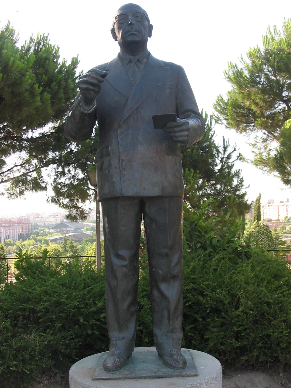 Statue of Tierno Galván in [[Madrid